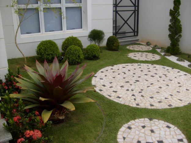ideias para um jardim bonito:estou aceitando sugestoes .